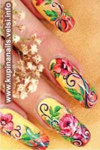 Готовый дизайн нарощенных ногтец покрываем закрепителем, украшаем мелкими белыми бульонками. Большие пальцы можно украсить бабочками.