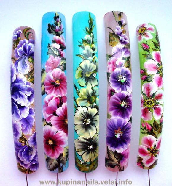 Композиции из цветов, как показано на фото, по китайской росписи ногтей.