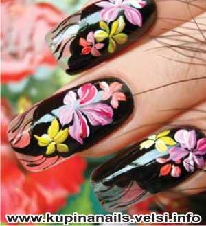 Как рисовать на ногтях цыганские мотивы для нарощенных ногтей, дизайн ногтей, фото пошагового выполнения. 4. Конечно, цыганский платок должен пестреть яркими и насыщенными красками.